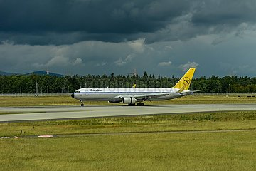 Condor Passagiermaschine im Retro-Anstrich | Condor passenger aircraft in retro paintwork
