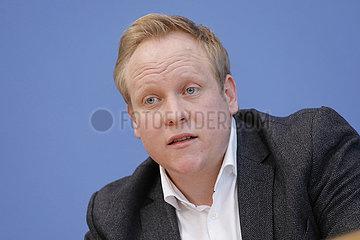 Bundespressekonferenz zum Thema: JU-Mitgliederbefragung zum CDU-Parteivorsitz