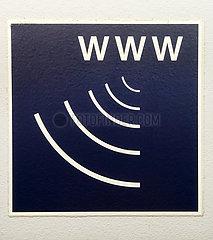 Berlin  Deutschland  Piktogramm - Bereich mit Internetzugang
