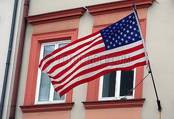 Krakau  Polen  Nationalfahne der USA an einer Hausfassade