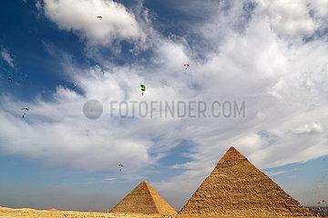 ÄGYPTEN-GIZA-SKYDIVING