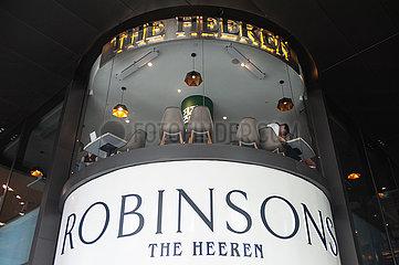 Singapur  Republik Singapur  Ansicht des Robinsons The Heeren Kaufhaus auf der Orchard Road