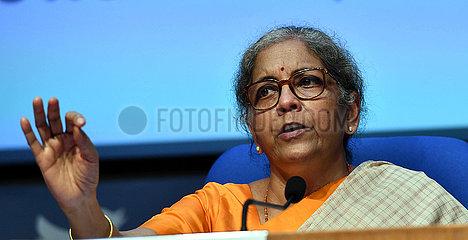INDIEN-NEW DELHI-Finanzministers-COVID-19-Impfstoff-PRESSEKONFERENZ