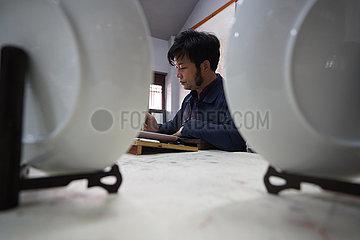 CHINA-JIANGXI-Ganzhou-Porzellanmalerei (CN)