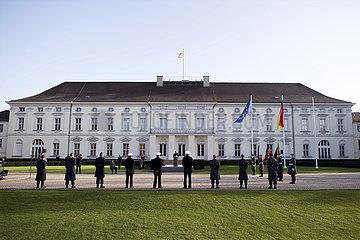Frank-Walter Steinmeier  Geloebnis Bundeswehr