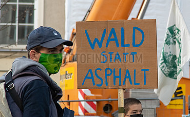 Fridays for Future Demo für den Erhalt des Dannenröder Forst eskaliert