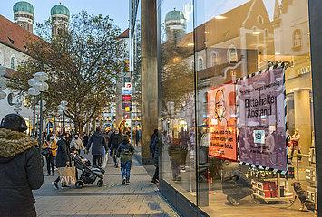 Fussgaengerzone waehrend 2. Lockdown  Muenchener Innenstadt  13.11.2020