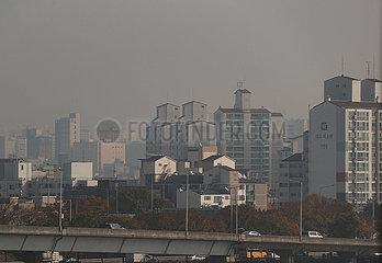 SÜDKOREA-SEOUL-SMOG