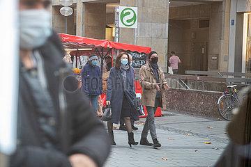 München: Weihnachtsvorbereitungen im Shutdown
