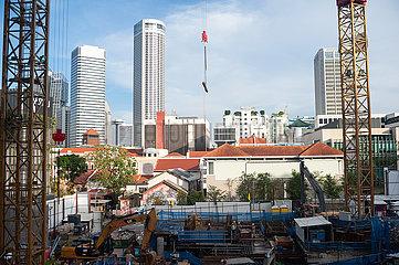 Singapur  Republik Singapur  Arbeiten auf einer Baustelle im Stadtzentrum inmitten der Corona-Pandemie