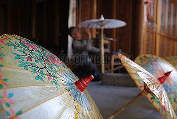 # CHINA-YUNNAN-Tengchong-OIL-Papier Dach (CN)