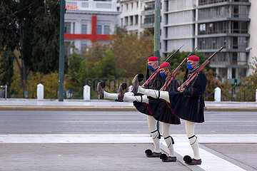 GRIECHENLAND-ATHEN-PRESIDENTIAL GUARD-MASKEN-COVID-19