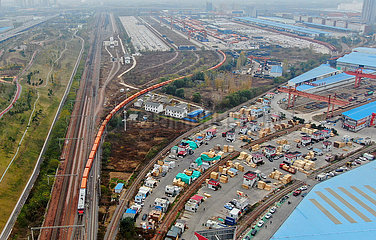 CHINA-HENAN-ZHENGZHOU-FINLAND Fracht Zugverkehr (CN)