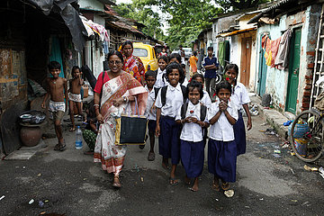 Reportage Tiljala Slum auf den Gleisen von Kolkata