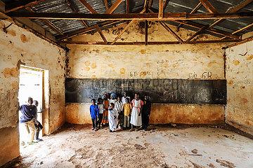 Verfallene Schule
