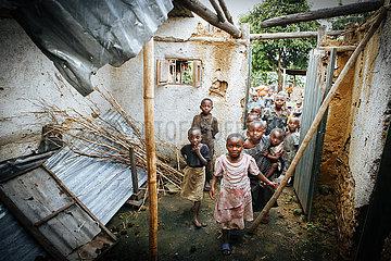 Katechist in zerstörten Dörfern der Kriegsregion Goma