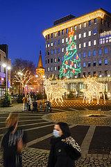 Weihnachtsbeleuchtung in der Bochumer Innenstadt in Zeiten der Coronakrise zur Vorweihnachtszeit  Bochum  Nordrhein-Westfalen  Deutschland