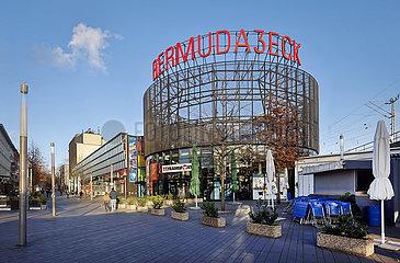 Menschenleeres Ausgehviertel Bermuda3eck in der Bochumer Innenstadt in Zeiten der Coronakrise zur Vorweihnachtszeit  Bochum  Nordrhein-Westfalen  Deutschland