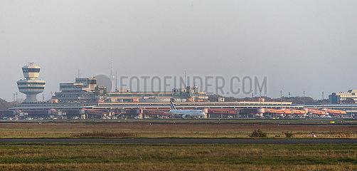 Berlin  Deutschland  Letzter Start vom Flughafen Berlin-Tegel: Air France AF1235 hebt in Richtung Paris ab