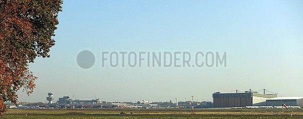Berlin  Deutschland  Blick auf den Flughafen Berlin-Tegel an dessen letztem Betriebstag