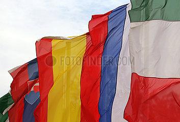 Baden-Baden  Deutschland  Nationalfahnen der Slowakei  von Spanien  Russland und Italien