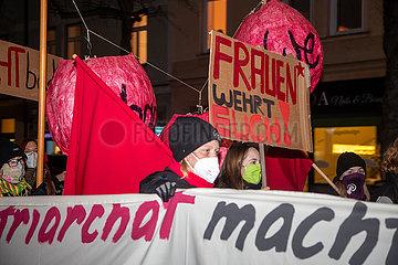 Internationaler Tag gegen Gewalt an Frauen: Demo in München