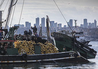 TURKEY-ISTANBUL-FISHERMEN-COVID-19-FINANCIAL SUPPORT