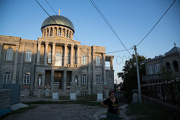 Republik Moldau  Soroca - Villa mit Aehnlichkeit zum Capitol in Washington  in dem hoeher gelegenem Romaviertel.