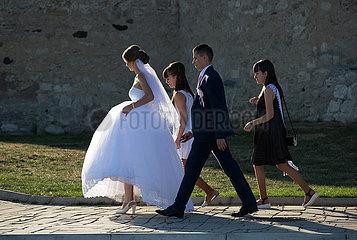 Republik Moldau  Soroca - Hochzeitspaar mit Brautjungfern