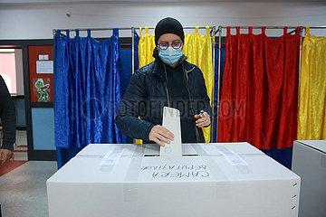 ROMANIA-BUCHAREST-PALIAMENTARY ELECTION-VOTING