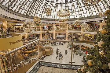 Einkaufszentrum pep  Weihnachtsdekoration  2. Lockdown  Muenchen  30.11.2020