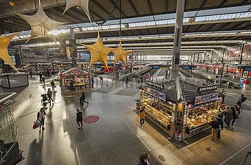 Hauptbahnhof Muenchen  November 2020