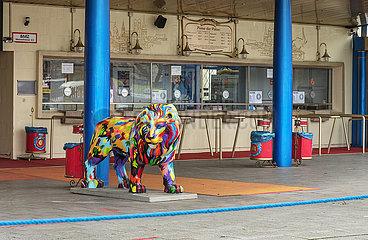 Circus Krone  geschlossen im Lockdown  Muenchen  Dezember 2020