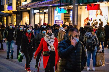 Advents-Shopping mit Maske