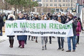 Schweigemarsch gegen Corona-Maßnahmen  Hamburg