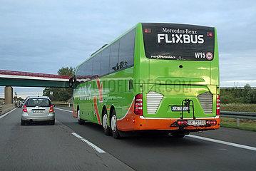 Neuruppin  Deutschland  PKW und Flixbus auf der A24