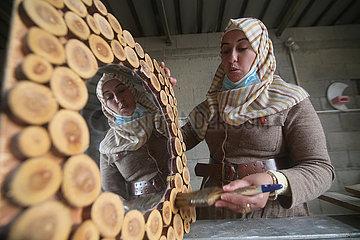 MIDEAST-GAZA-KHAN YOUNIS-ART-WOODWORK