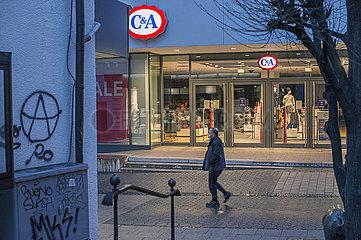 C&A Filiale  Fussgaengerzone  Werl  Westfalen  Dezember 2020