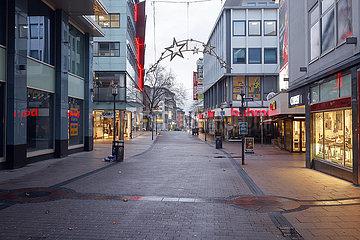 Lockdown  keine Passanten in der Essener Innenstadt am Tag vor Heiligabend  Essen  Nordrhein-Westfalen  Deutschland
