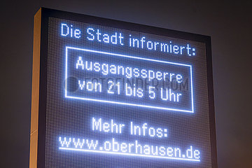 Coronapandemie  Ausgangssperre in Oberhausen von 21 bis 5 Uhr  Oberhausen  Nordrhein-Westfalen  Deutschland