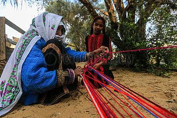 MIDEAST-GAZA-Woll-Artefakte