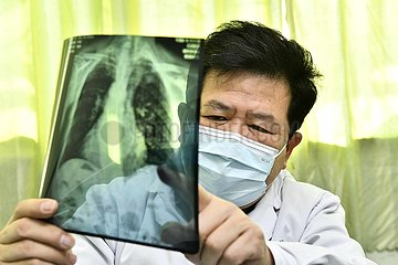 CHINA-JINAN-Doctor WANG Yansen-COVID-19-IMPFUNG (CN)