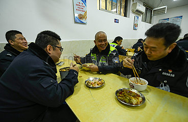 CHINA-SICHUAN-CHENGDU-POLICE-RETIRE (CN)