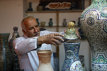 MIDEAST-HEBRON-ART-CERAMIC-RECYCLING