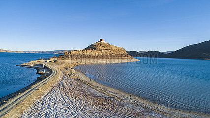 CHINA-TIBET-YAMZHOG YUMCO LAKE-TEMPLE-LANDSCAPE (CN)