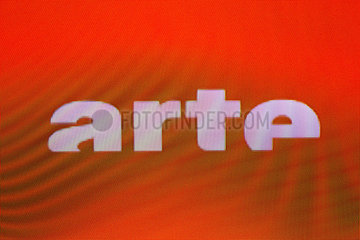 Logo des oefffentlichen deutsch-franzoesischen arte Fernsehsenders arte auf einem Bildschirm