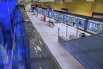 U-Bahnstation Muenchner Freiheit  Muenchen  Januar 2021