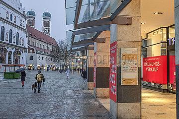 Neuhauser Strasse  Fussgaengerzone  Muenchen  Januar 2021