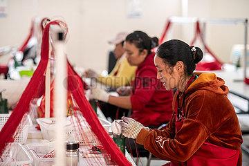 """Xinhua Schlagzeilen: China Armutsbekämpfung Wunder in """"Falten der Erde"""""""