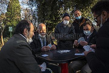 IRAN-TEHERAN-COVID-19-IMPFUNG
